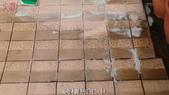 家庭浴室及各場所-地面止滑防滑去污施工:施工中2-止滑大師Anti- slit Pro創業加盟連鎖止滑液防滑劑止滑防滑專業施工地坪瓷磚浴室防滑止滑