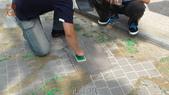 哈魚碼頭噴水池磁磚地面殘膠清除止滑施工-魚池青苔清除-木板走道污垢清除-魚市拍賣區地面污垢清除:6止滑測試-止滑大師-止滑劑防滑劑止滑防滑施工