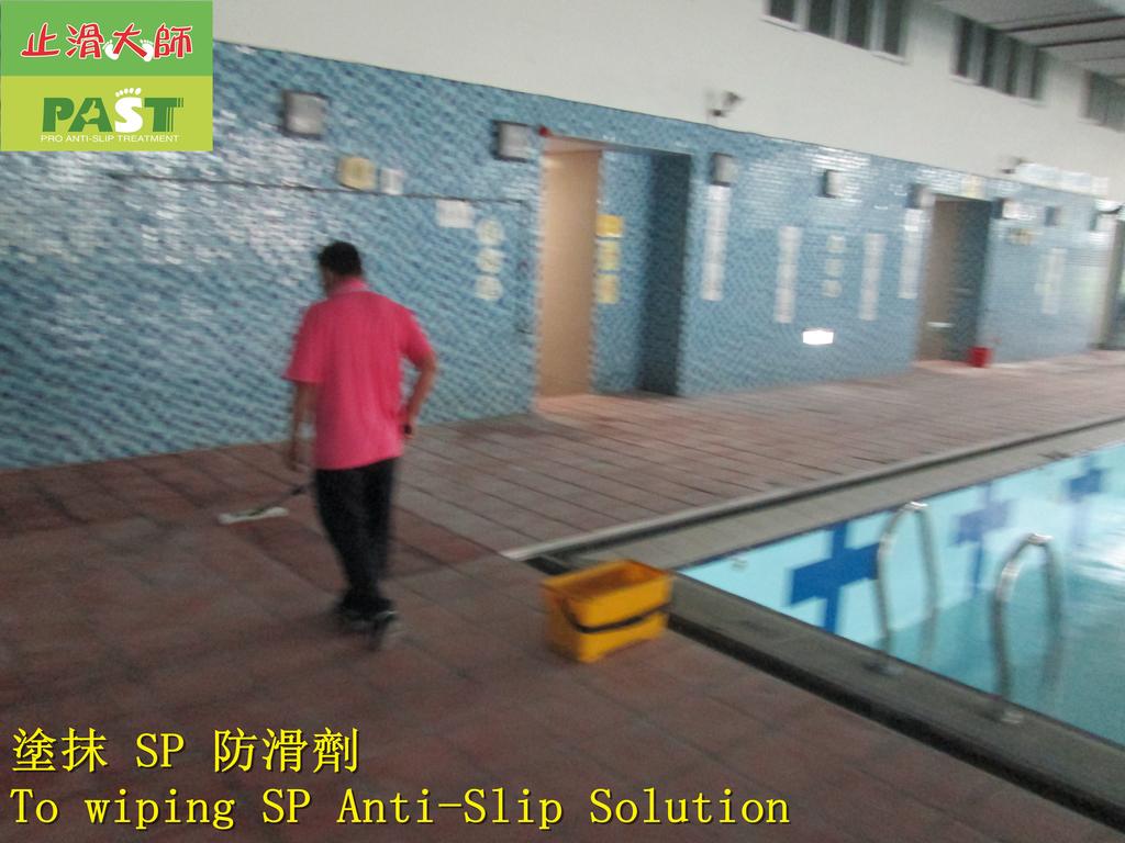 1854 學校-室內-游泳池池畔-紅磚地面止滑防滑施工工程 - 相片:1854 學校-室內-游泳池池畔-紅磚地面止滑防滑施工工程 - 相片 (11).JPG