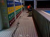 防滑-佶川科技施工案例-大雅-艾迪雅游泳學校:5施工中 吸水-止滑防滑浴室防滑