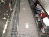 廚房-緻麗伯爵酒店地面止滑施工-相片版-止滑大師Anti-Slip Pro創業加盟連鎖止滑液防滑劑止:16.13樓中式廚房-塗抹止滑劑靜置中-止滑大師-止滑劑防滑劑止滑防滑施工