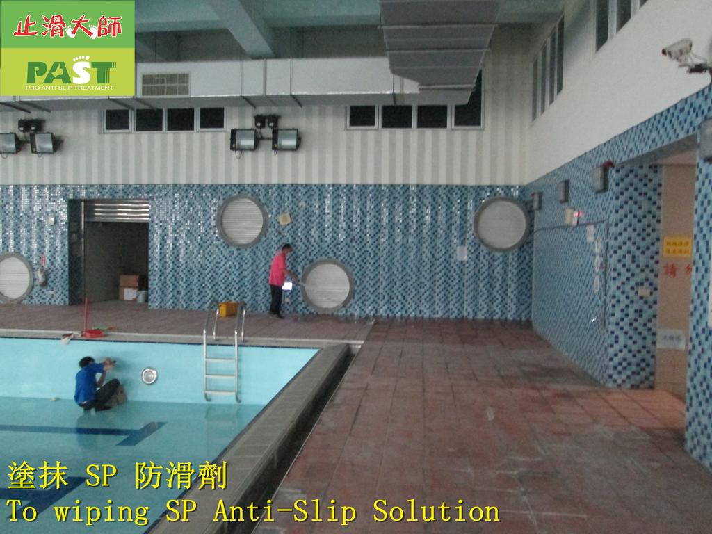 1854 學校-室內-游泳池池畔-紅磚地面止滑防滑施工工程 - 相片:1854 學校-室內-游泳池池畔-紅磚地面止滑防滑施工工程 - 相片 (14).JPG