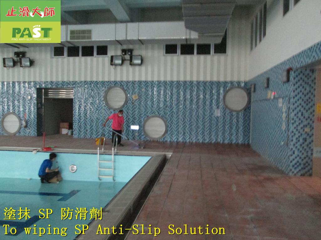 1854 學校-室內-游泳池池畔-紅磚地面止滑防滑施工工程 - 相片:1854 學校-室內-游泳池池畔-紅磚地面止滑防滑施工工程 - 相片 (15).JPG