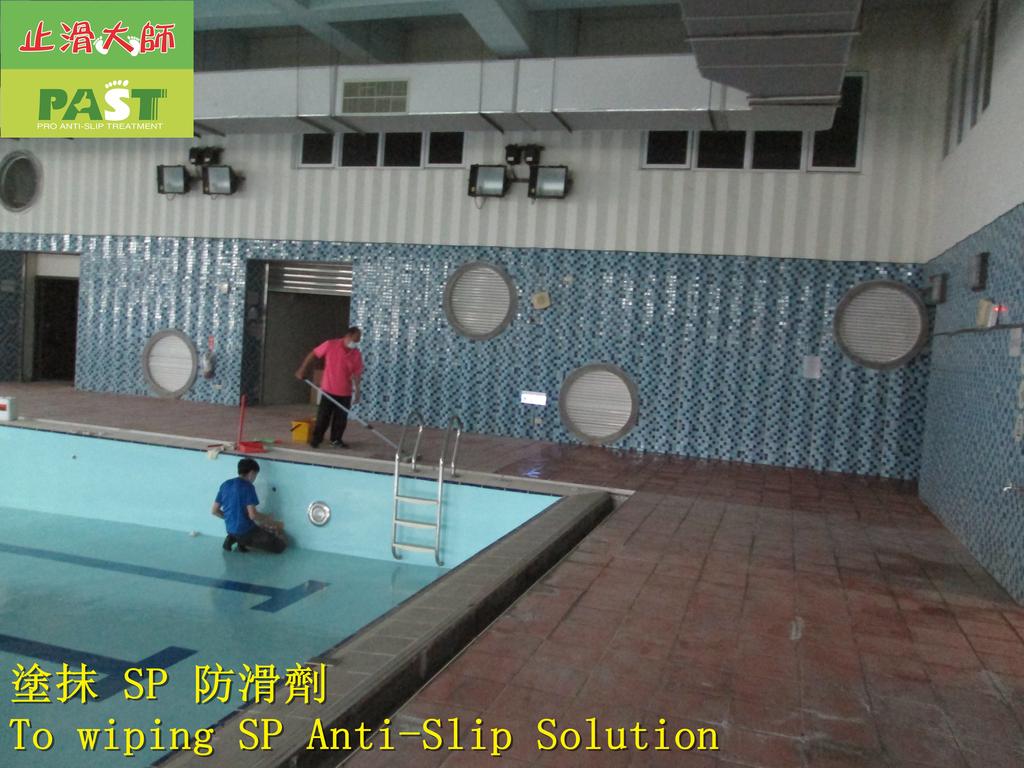 1854 學校-室內-游泳池池畔-紅磚地面止滑防滑施工工程 - 相片:1854 學校-室內-游泳池池畔-紅磚地面止滑防滑施工工程 - 相片 (16).JPG