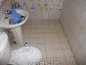 家庭浴室及各場所-地面止滑防滑去污施工:大里張先生廁所1-止滑大師Anti- slit Pro創業加盟連鎖止滑液防滑劑止滑防滑專業施工地坪瓷磚浴室防滑止滑