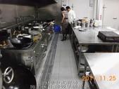 廚房-緻麗伯爵酒店地面止滑施工-相片版-止滑大師Anti-Slip Pro創業加盟連鎖止滑液防滑劑止:17.13樓中式廚房-施工後止滑效果確認中-止滑大師-止滑劑防滑劑止滑防滑施工
