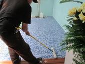 台中市汽車旅館馬賽克磁磚游泳池止滑施工:16施工中 -止滑大師-止滑劑防滑劑止滑防滑施工