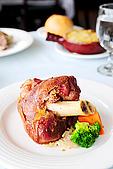 布查花園餐廳 - 舞聚後餐會:布查花園餐廳 - 香烤德國豬腳 12.jpg