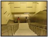 小港旅遊:高雄捷運R3車站- 4號通道下樓梯