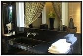 汽車旅館:高雄亞曼尼motel- 洗手台和化粧台