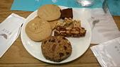 台中 饗食天堂 平日午餐:花生糖,家人的最愛.....生巧克力餅乾啥的也不錯