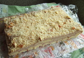實驗品-花生豆沙餅、草莓酸奶油慕斯、PITA、巧克力塔:上頭是磨碎的乳酪蛋糕