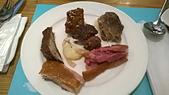 台中 饗食天堂 平日午餐:12點洛神排骨不錯,1點米蘭牛肉太鹹,3德國豬腳剛上桌的皮是脆的!7紹興雞不錯,9肋排很乾