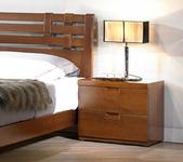 GL-589:589-3 1.8尺實木樟木色床頭櫃.jpg