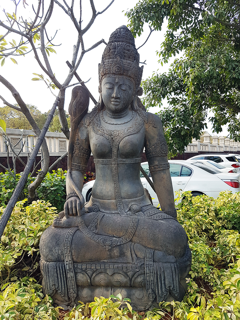 廈門日月谷溫泉渡假村:02峇里島神像.jpg