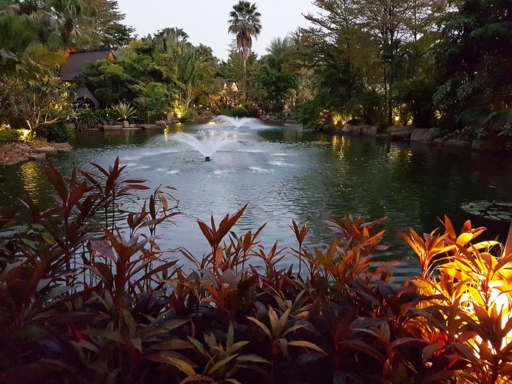 廈門日月谷溫泉渡假村:15噴水池.jpg