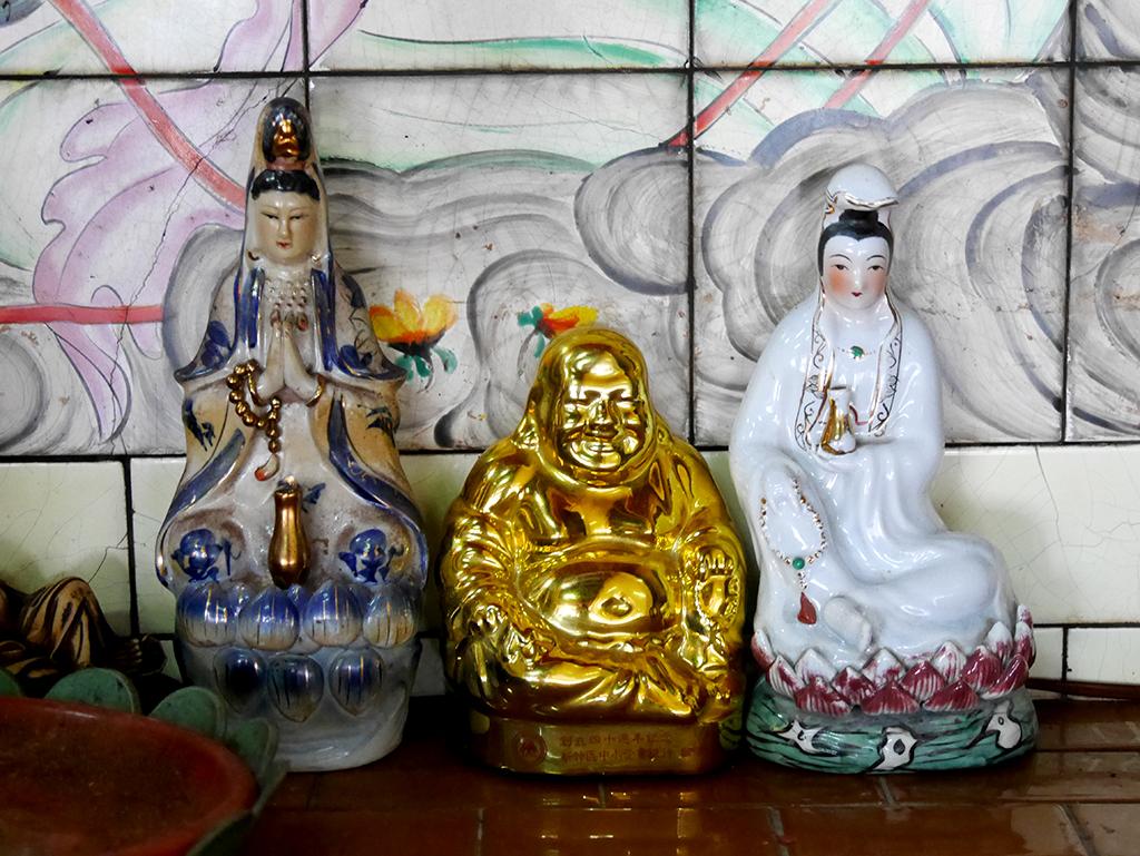 12左龕觀音彌勒.jpg - 新竹關西鎮仁安里水頭伯公廟(福德祠)