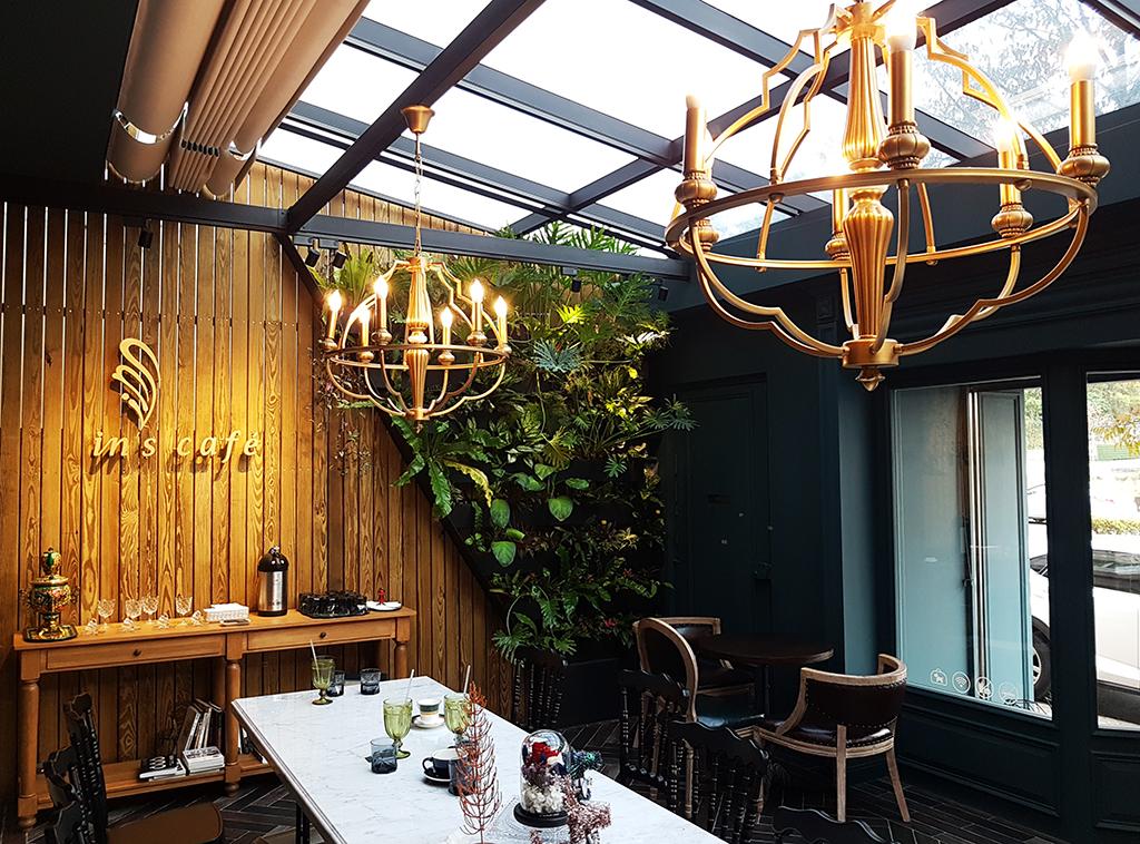03inscafe.jpg - In's café