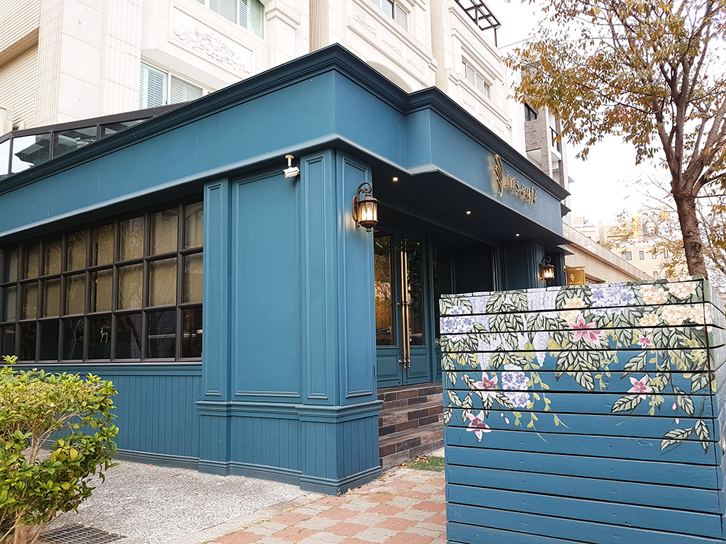 01inscafe.jpg - In's café