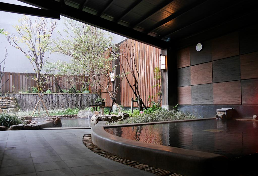 01一樓大眾池.jpg - 礁溪鳳凰德陽川泉旅