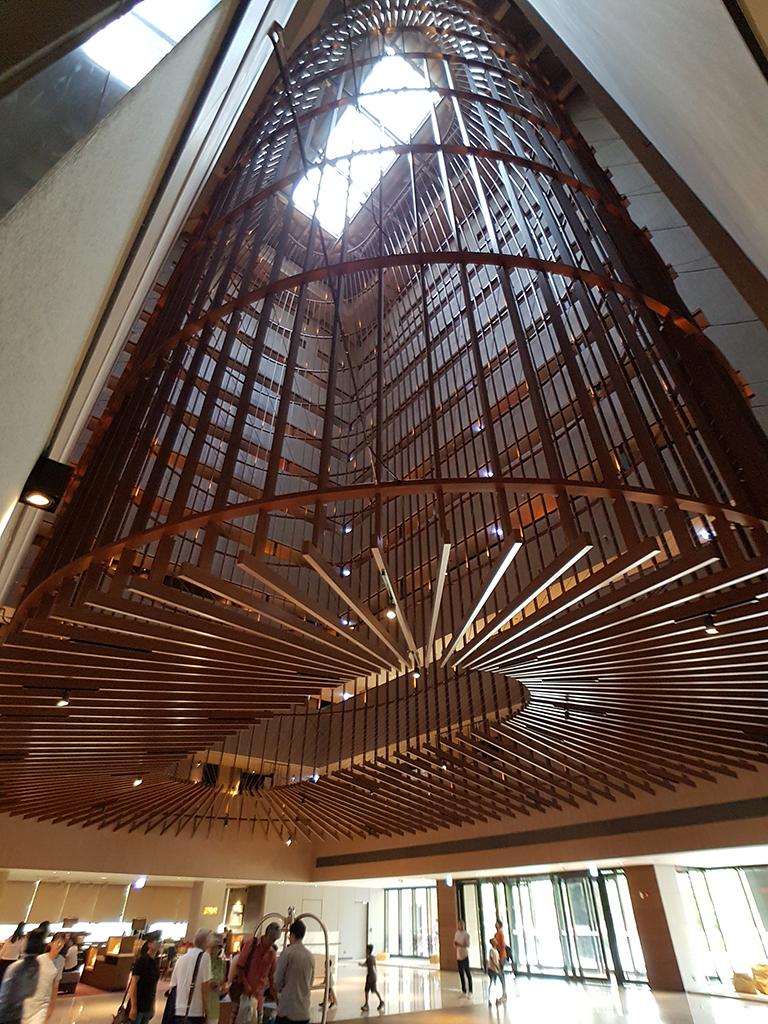 台南大員皇冠假日酒店:大廳裝置藝術