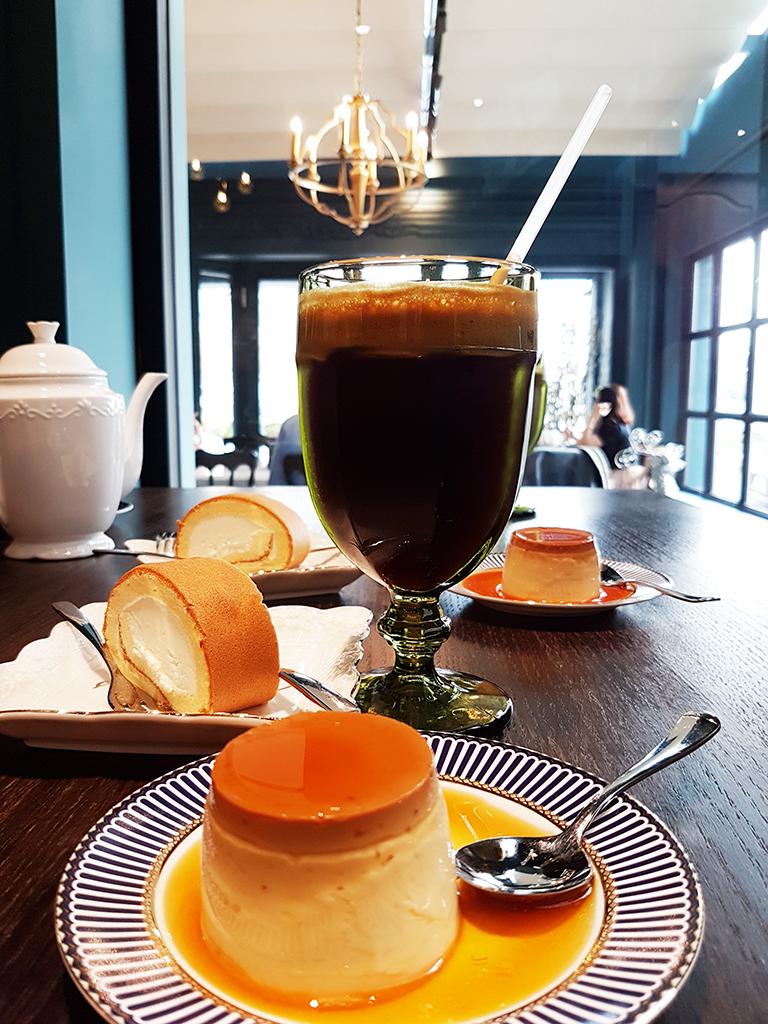 08inscafe.jpg - In's café