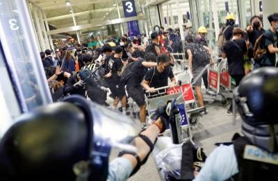 「反送中恐怖主義」港澳辦擬為武警進駐鎮壓鋪路