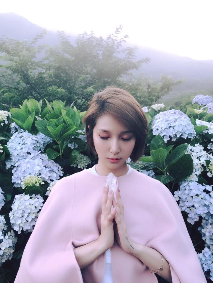 「靈修少女 朱謙柔」快閃台北,氣質散發獨特魅力