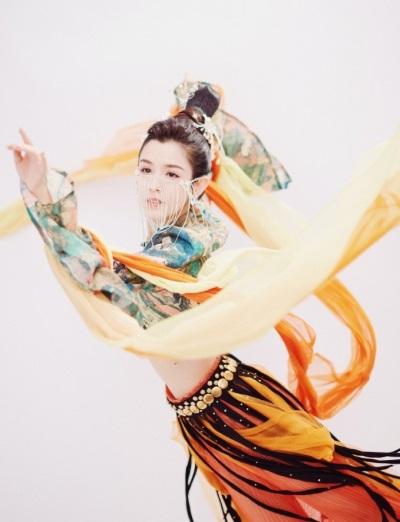 「新疆四美」哈妮克孜22歲,一舞成名被讚如敦煌天女下凡