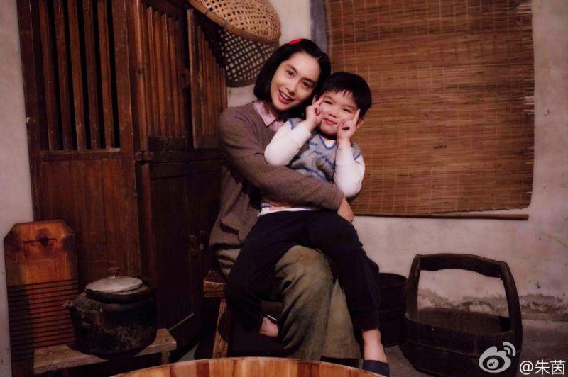 「45歲朱茵」紫霞仙子性感神復出!逆齡演活20歲少女