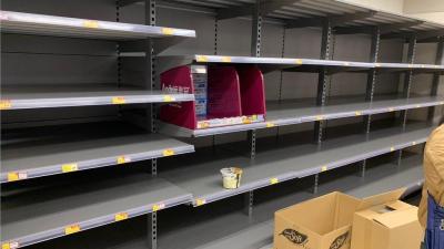 「集體歇斯底里」人民無法信任港府,肺炎疫情觸發香港搶購物資潮
