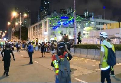 「反送中雷射攻擊」香港警署進行武力驅散,人民怒火延燒