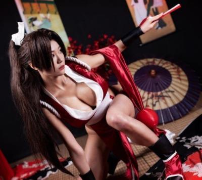 「超辣不知火舞」超辣人妻Cosplay遊戲角色扮演 網:高衩沒穿內褲