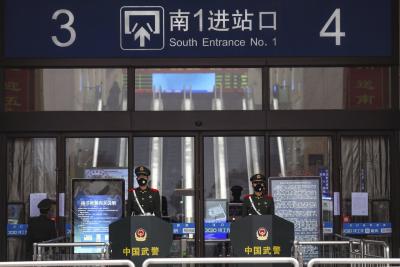 「武漢肺炎」疫情警戒影響春節,市長:500多萬人連夜撤離