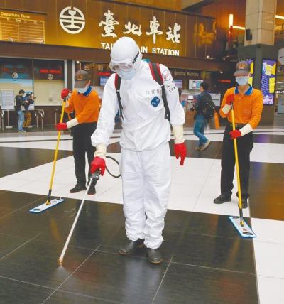 「海軍敦睦磐石艦」官兵染疫?放假期間台北車站、高鐵、台鐵通通中