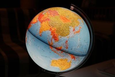 「北京台北一樣大」澳洲記者找搬家公司,地球儀卻遭沒收