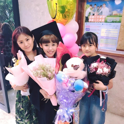 「中學生女神畢業」紀卜心的高顏值母妹長超像