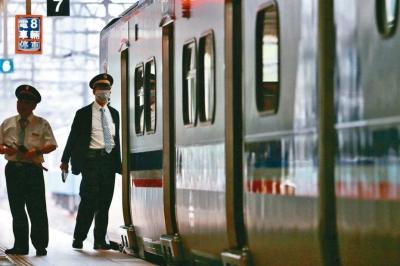 「女列車長」貼文自曝故意不播音,惡搞乘客記過調離現職