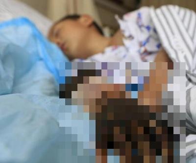 「男童被蛇咬險殘廢」母親菜刀放血險致其右手