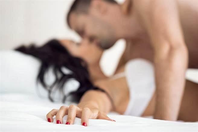 「控制欲強」妳給他完全的自由,他卻總是想控制妳