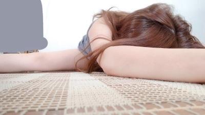 「20歲少女自拍」川字美腰加上白皙膚色,讓人目不轉睛