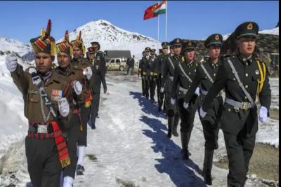 「中印開戰」不只丟石頭?傳解放軍帶盾牌鐵棍廝殺6小時