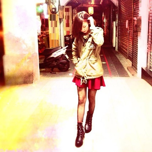 「台灣頂級美女」藍羽淇零死角美顏, 美得太動人了