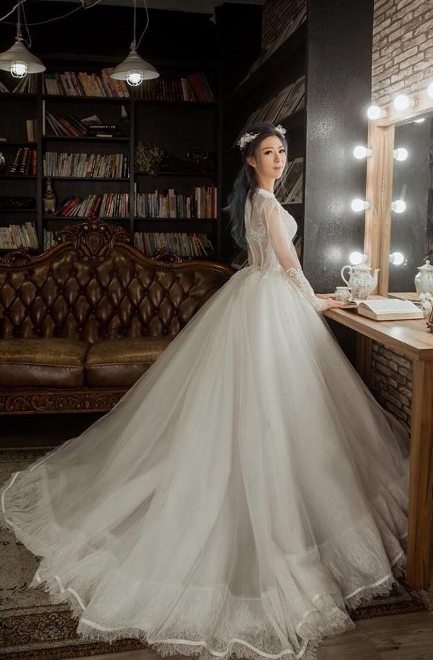 「中壢婚紗攝影」藍羽淇穿著禮服復古長袖蕾絲婚紗