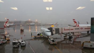 「加拿大關閉機場」旅遊警示燈號:黃色,防範武漢肺炎將關閉邊境