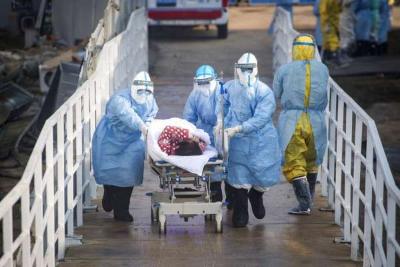「新型冠狀病毒肺炎」毫無防護仍堅持搶救病患,這批醫護幾乎全軍覆沒