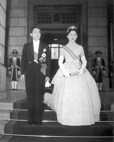 「日本皇室」美智子在網球場上與王子邂逅繼而相戀