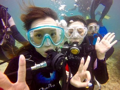 水下合照.jpg - 體驗學潛水