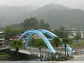 比民國年長了 2歲的坪林舊橋 - 先民智慧, 建構特殊的船型橋敦, 細斜橋柱:P1110180.JPG