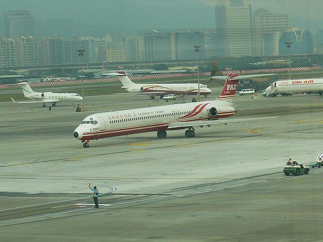 台北 (松山) 國際航空站觀景台 2012/01/14 :P1030530.jpg